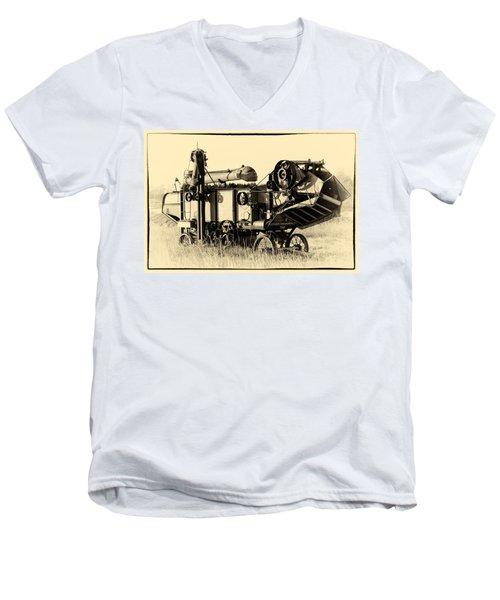 Old Case Thresher Men's V-Neck T-Shirt