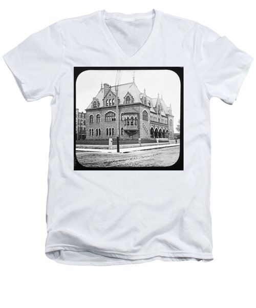 Old Customs House And Post Office Evansville Indiana 1915 Men's V-Neck T-Shirt