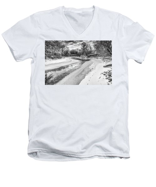 On The Riverbank Bw Men's V-Neck T-Shirt