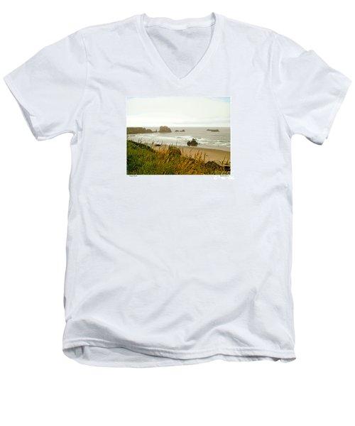 Oregon Beach Men's V-Neck T-Shirt