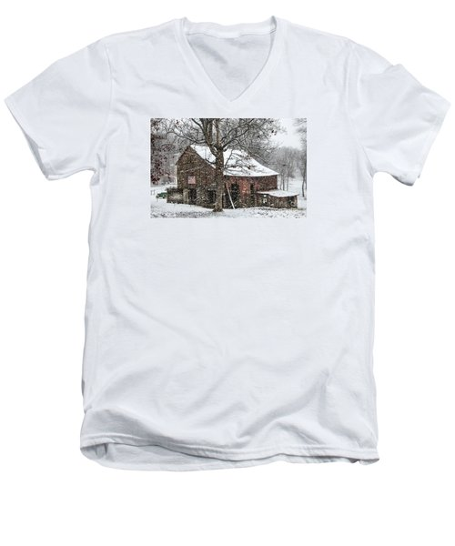 Men's V-Neck T-Shirt featuring the photograph Patriotic Tobacco Barn by Debbie Green