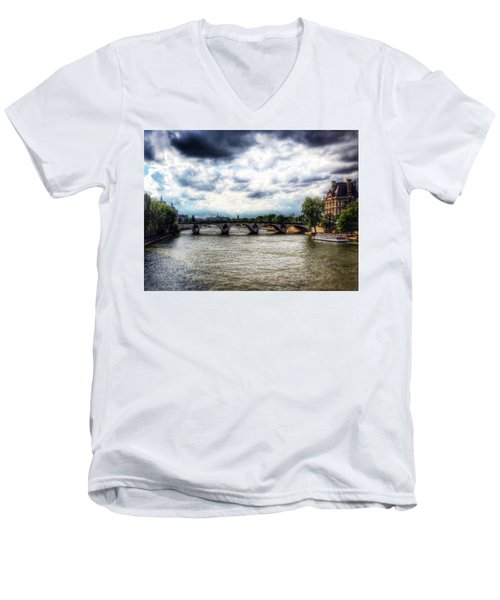 Pont Des Arts Men's V-Neck T-Shirt