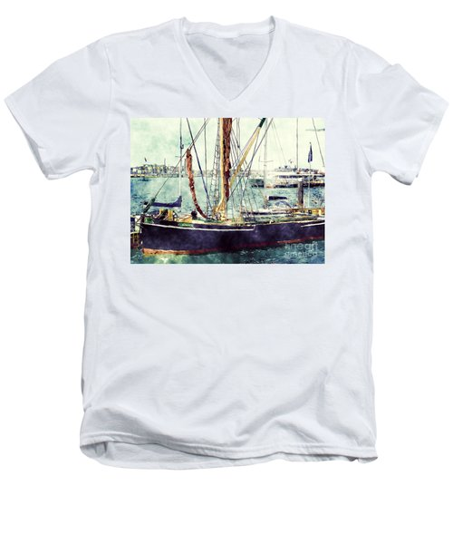 Portsmouth Harbour Boats Men's V-Neck T-Shirt