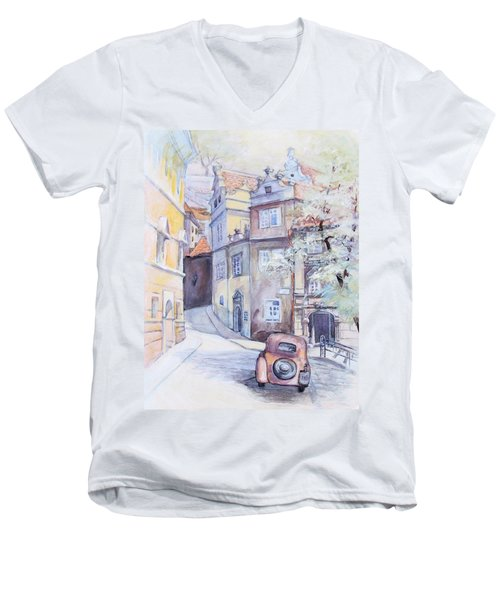 Prague Golden Well Lane Men's V-Neck T-Shirt