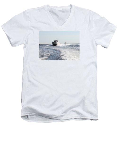 Racing To The Docks Men's V-Neck T-Shirt