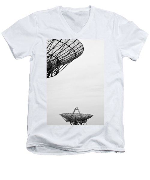 Radiotelescope Antennas.  Men's V-Neck T-Shirt