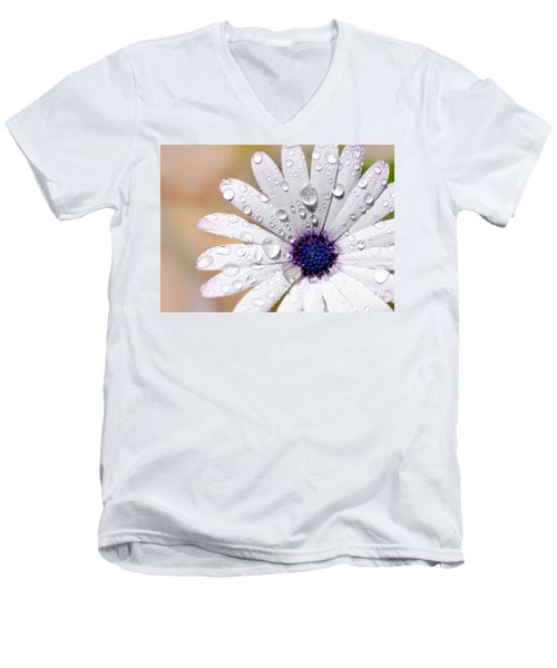 Rain Soaked Daisy Men's V-Neck T-Shirt