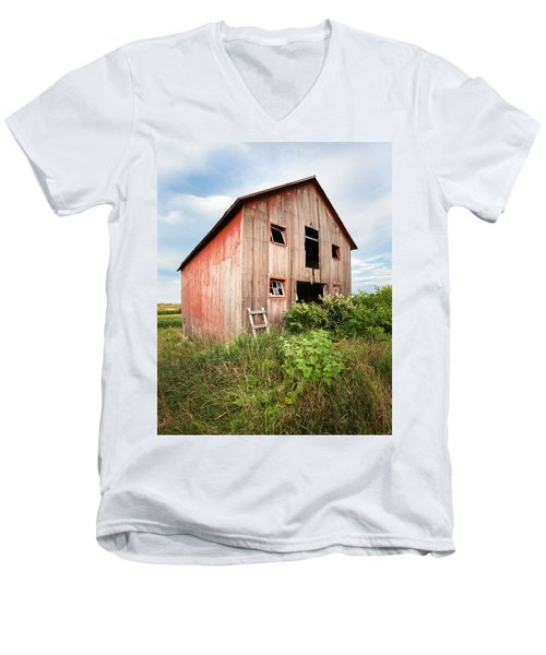 Men's V-Neck T-Shirt featuring the photograph Red Shack On Tucker Rd - Vertical Composition by Gary Heller
