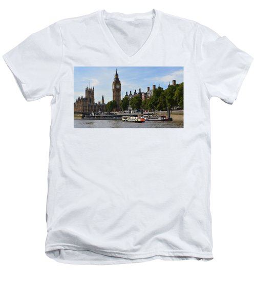 River Thames View Men's V-Neck T-Shirt