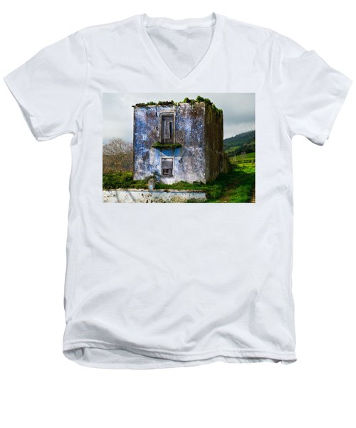 Ruins Of House Painted Blue Men's V-Neck T-Shirt