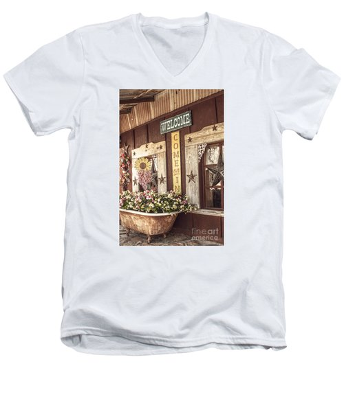 Rustic Country Welcome Men's V-Neck T-Shirt