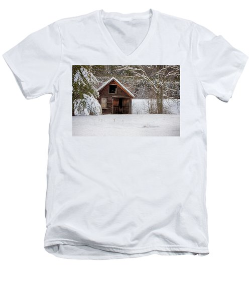 Rustic Shack In Snow Men's V-Neck T-Shirt