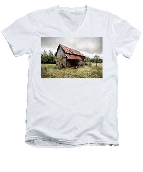 Men's V-Neck T-Shirt featuring the photograph Rusty Tin Roof Barn by Gary Heller