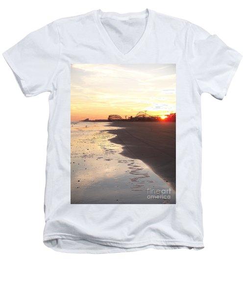 Shoreline Sunset Men's V-Neck T-Shirt