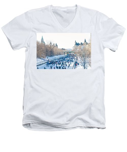 Skating Men's V-Neck T-Shirt