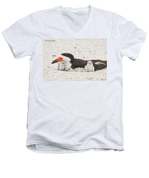 Skimmer Family Cuddle Men's V-Neck T-Shirt