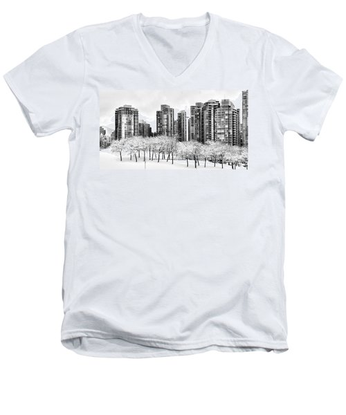 Snow In The City Men's V-Neck T-Shirt