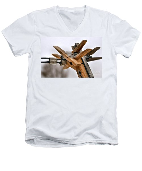 Winter Laundry Day Men's V-Neck T-Shirt