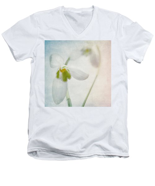 Springflower Men's V-Neck T-Shirt