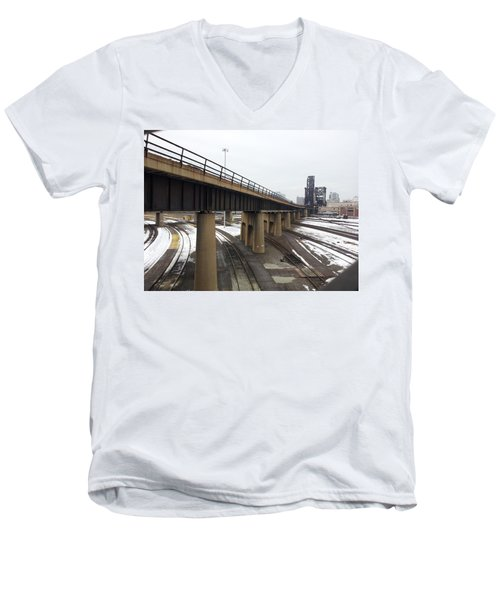 St. Charles Airline Bridge Men's V-Neck T-Shirt