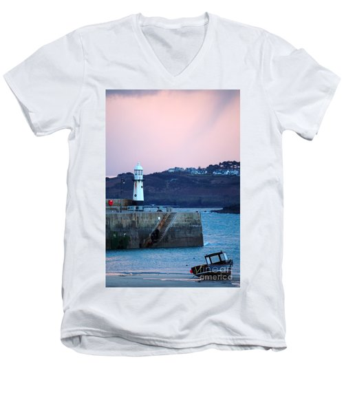 St Ives Men's V-Neck T-Shirt
