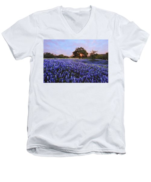 Sunset In Bluebonnet Field Men's V-Neck T-Shirt