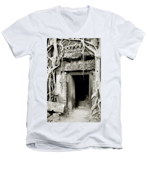 Ta Prohm Doorway Men's V-Neck T-Shirt