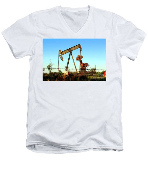 Texas Pumping Unit Men's V-Neck T-Shirt