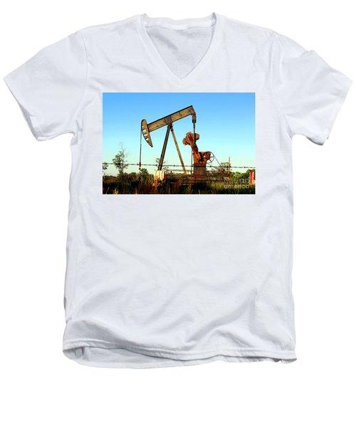 Texas Pumping Unit Men's V-Neck T-Shirt by Kathy  White