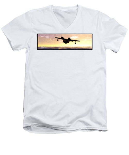 The Goose Men's V-Neck T-Shirt