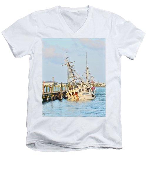 The New Hope Sunken Ship - Ocean City Maryland Men's V-Neck T-Shirt