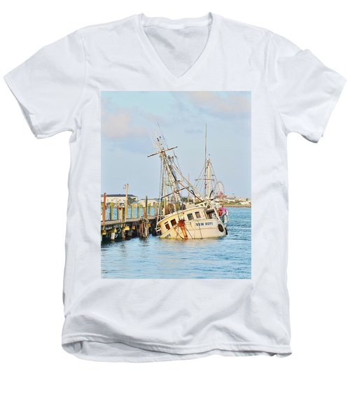 The New Hope Sunken Ship - Ocean City Maryland Men's V-Neck T-Shirt
