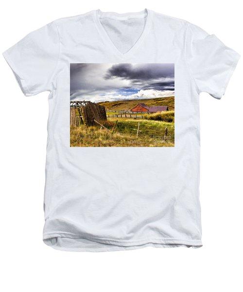 The Ol' Homestead Men's V-Neck T-Shirt