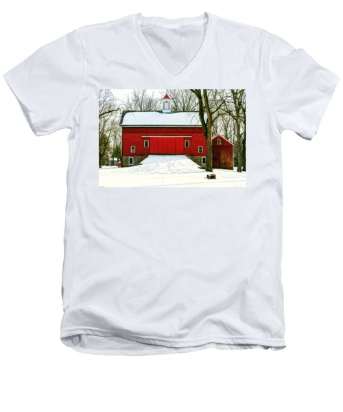 Tinicum Barn In Winter II Men's V-Neck T-Shirt
