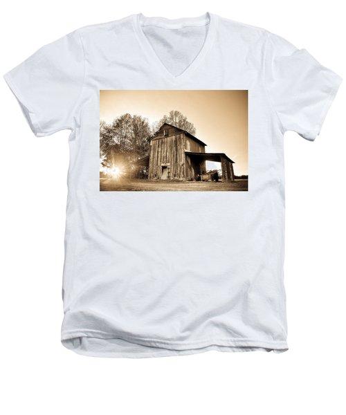 Tobacco Barn In Sunset Men's V-Neck T-Shirt
