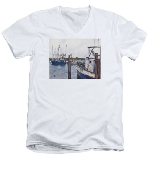 Trawlers At Gosman's Dock Montauk Men's V-Neck T-Shirt