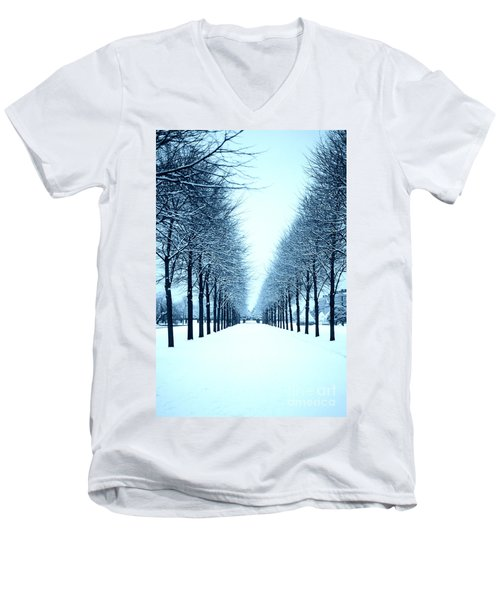 Tree Avenue In Snow Men's V-Neck T-Shirt