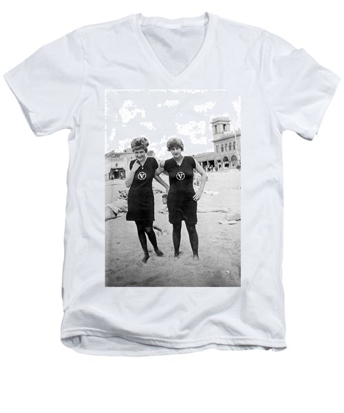 Two Girls At Venice Beach Men's V-Neck T-Shirt by Underwood Archives