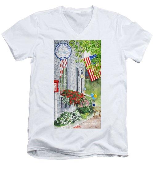 University Of Nantucket Shop Men's V-Neck T-Shirt