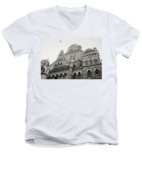 Victorian India Men's V-Neck T-Shirt