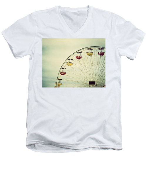 Vintage Ferris Wheel Men's V-Neck T-Shirt