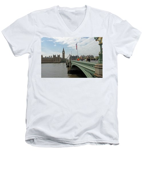 Westminster Bridge Men's V-Neck T-Shirt