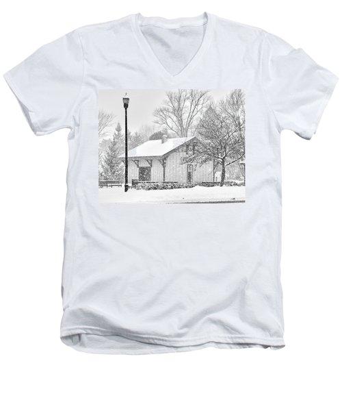 Whitehouse Train Station Men's V-Neck T-Shirt by Jack Schultz