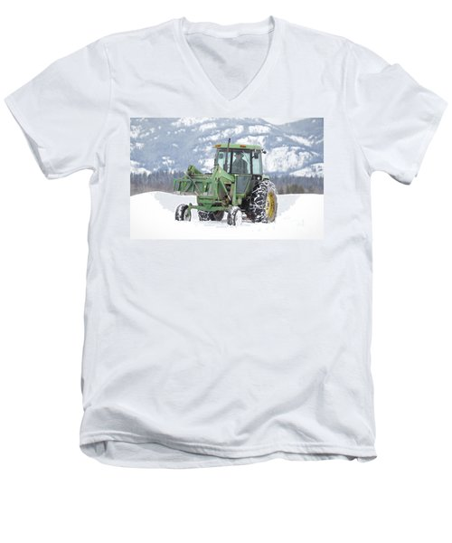 Winter Feeding Men's V-Neck T-Shirt