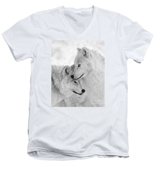 Wolf Love Black And White Men's V-Neck T-Shirt