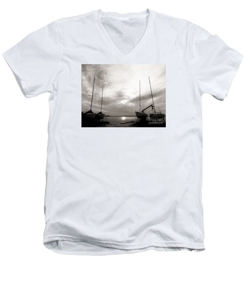 Cirrus Effect Men's V-Neck T-Shirt
