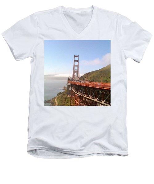 Golden Gate Bridge - San Francisco Ca Men's V-Neck T-Shirt
