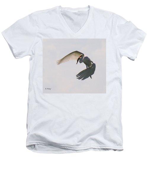 Great Egret Successful Fishing Men's V-Neck T-Shirt