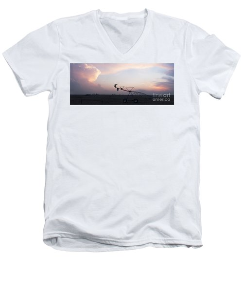 Pivot Irrigation And Sunset Men's V-Neck T-Shirt