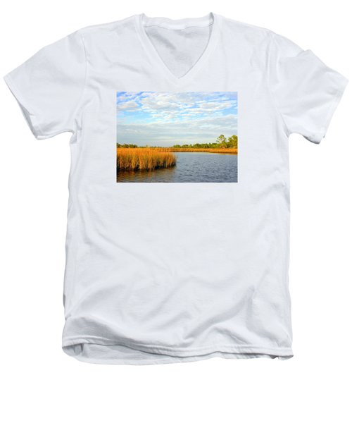 Sawgrass Creek L Men's V-Neck T-Shirt